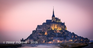 Mt St Michel at night