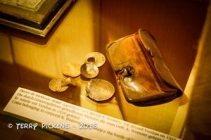 Soldiers Purse with money