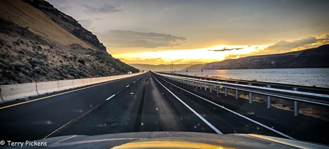 Sunset along the Columbia River on Interstate 84